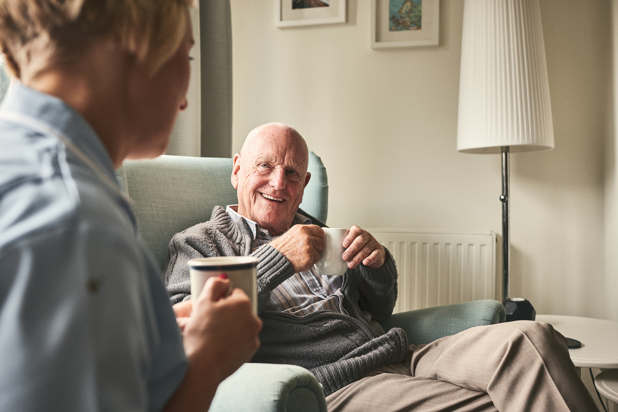 Older gentleman in care WEB RGB